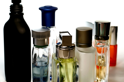 Best 7 Wholesale Perfume Suppliers in US/UK/China